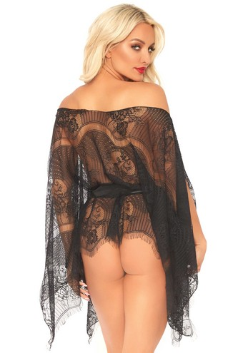 Lace kaften robe and thong